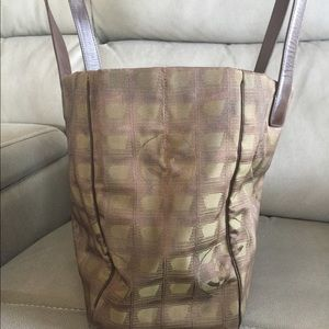 Chanel Bags - Authentic Chanel Tote PreLoved  (selling it low)